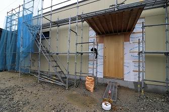 外壁下地工事を進めています。