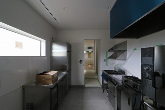 厨房機器が設置されました。
